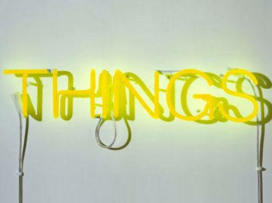neon-art-personalizzati-scritta-luminosa-stampatello-muro-gialla